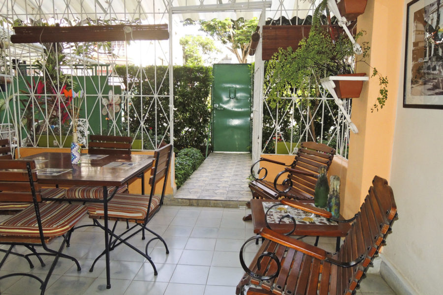 Casa_Particular_Havana_La-Casa-de-Ana_Chill_out_and_enjoy_on_our_cosy_Terras